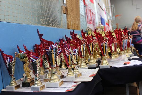 Награды победителей ипризеров соревнований