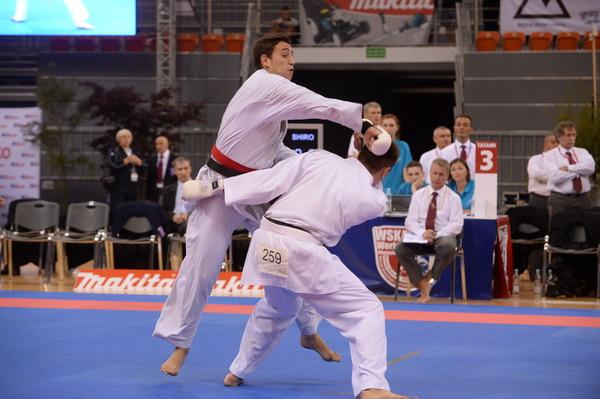Нататами будущий победитель соревнований Сергей Мащенко (слева)