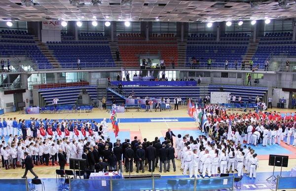 Церемония открытия первенства Европы посетокан карате-до вСербии